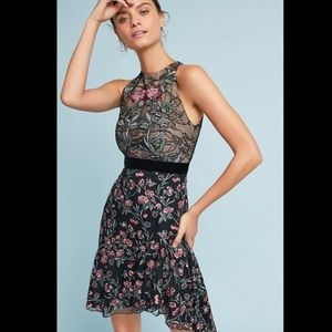 NWT MONIQUE LHUILLIER EMBROIDERED LACE DRESS